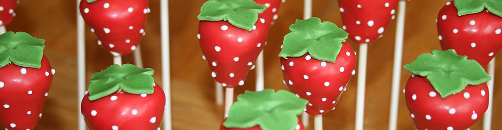 The Cake Creative - Cake Pops - Strawberry Cake Pops